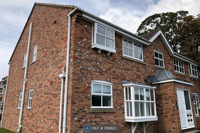 2 bed flat to rent in Walton Chase, Wetherby LS23