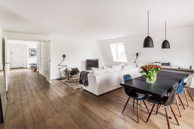 Thumbnail Flat for sale in St. Georges Road, Weybridge
