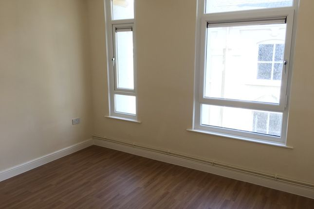 Thumbnail Flat to rent in Commercial Street, Abertillery, Gwent