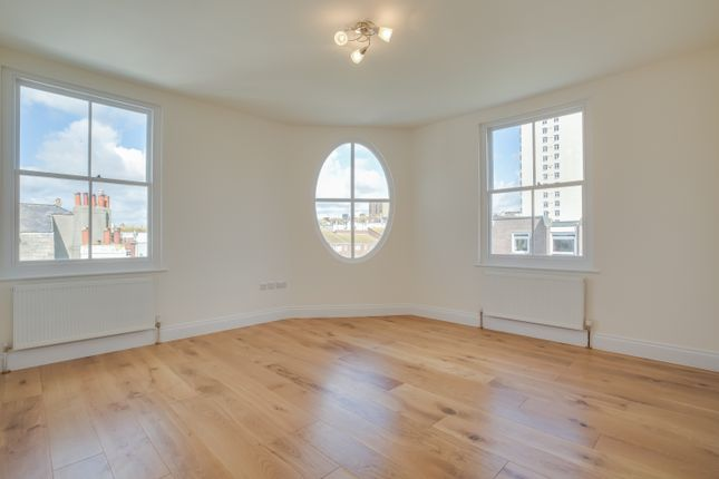 Thumbnail Flat to rent in Upper St James Street, Brighton