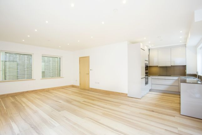 Thumbnail Town house for sale in Crayford Mews, Crayford Road