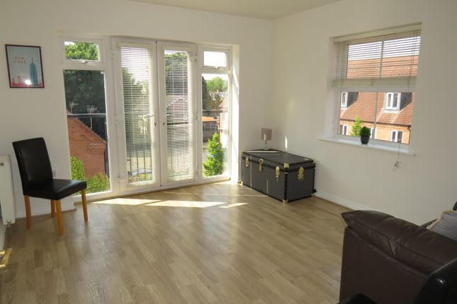 Flat for sale in Huxley Court, Stratford-Upon-Avon