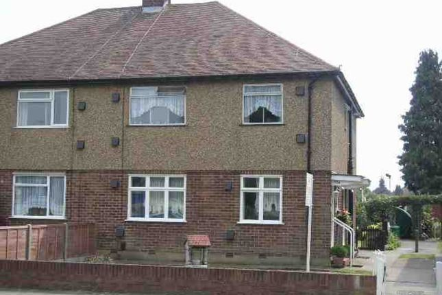 Thumbnail Flat to rent in North Approach, Watford