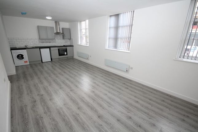 Thumbnail Flat to rent in Apt 3, Smith Street, Rochdale
