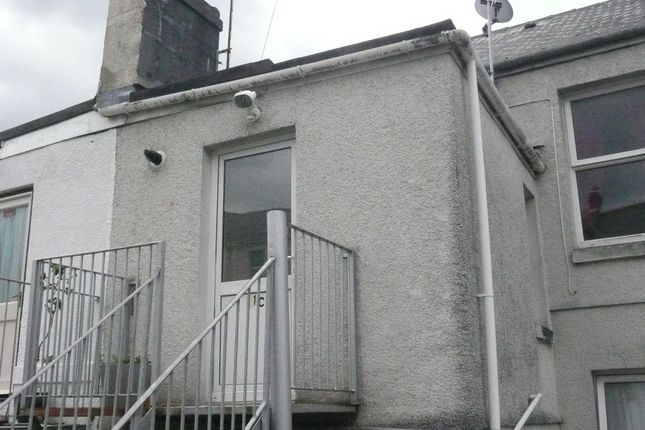 Thumbnail Flat to rent in Percy Terrace, Plymouth