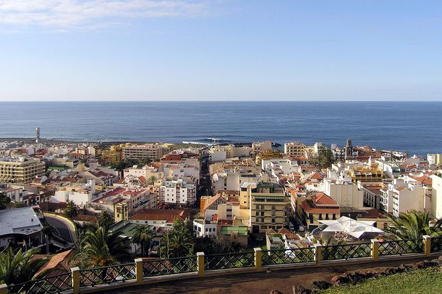 Thumbnail Commercial property for sale in Santa Cruz De Tenerife, Santa Cruz De Tenerife, Spain
