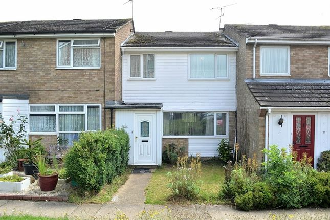 Thumbnail Terraced house to rent in Waldgrooms, Dunmow