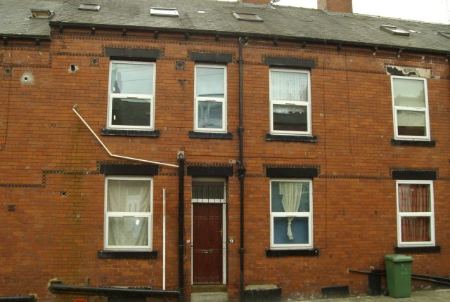 Thumbnail Flat to rent in Harlech Street, Beeston, Leeds