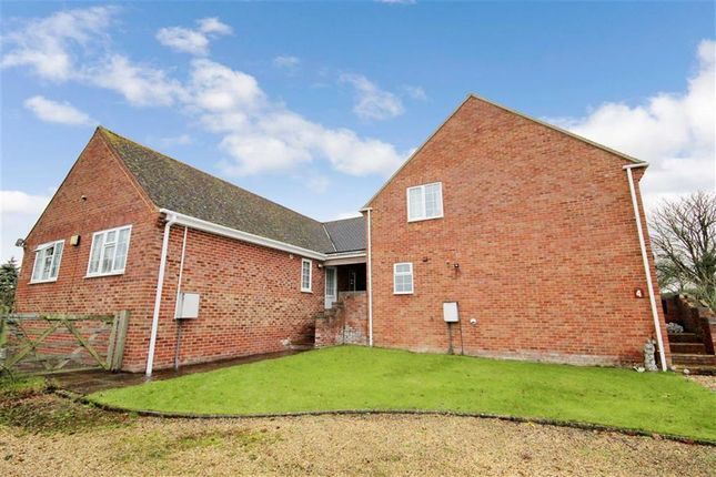 Thumbnail Property to rent in Common Hill, Cricklade, Swindon