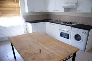 Thumbnail Triplex to rent in Hornsey Road, Holloway