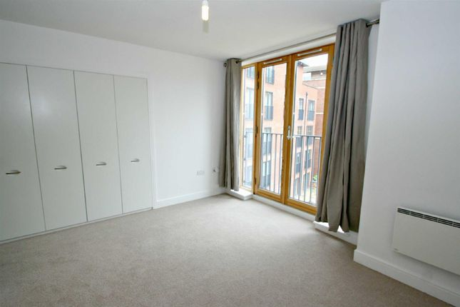Thumbnail Flat to rent in Cornwood House, Dickens Heath, Solihull