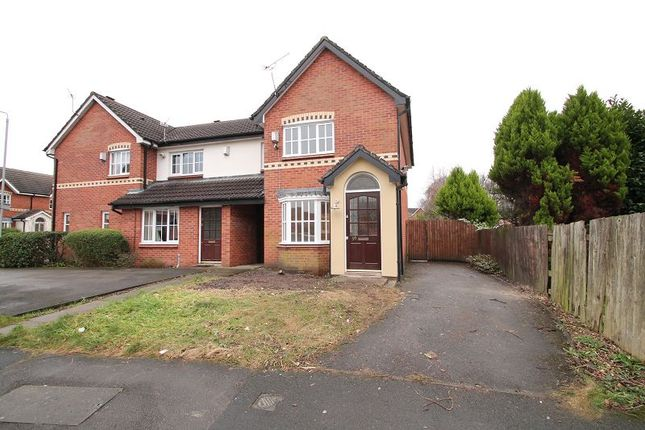 Thumbnail Terraced house to rent in Petworth Close, Manchester