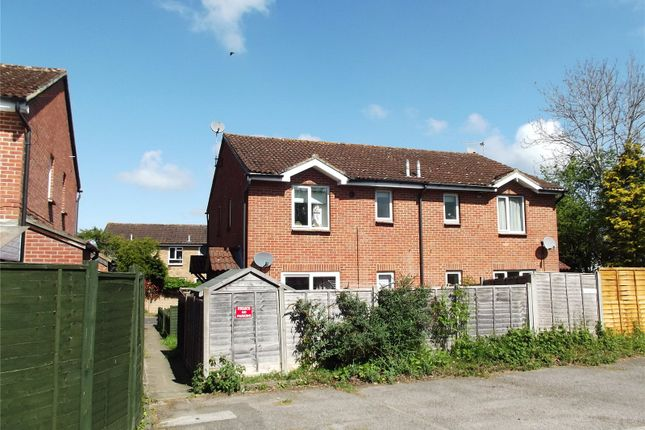 Thumbnail Terraced house to rent in Monkswood Crescent, Tadley, Hampshire
