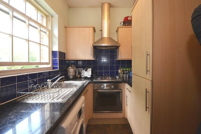 Thumbnail Flat to rent in Frays Cottage, Mill Road, West Drayton