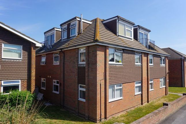 1 bed flat for sale in Brighton Road, Lancing BN15
