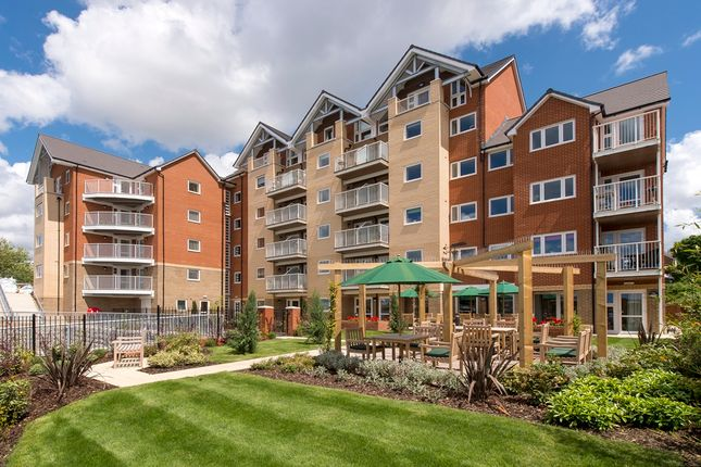 Thumbnail Property for sale in Riverdene Place, Southampton