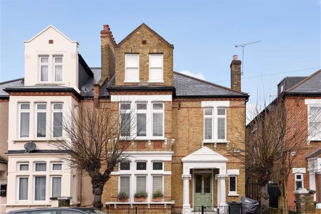 5 bed property to rent in Barrow Road, London