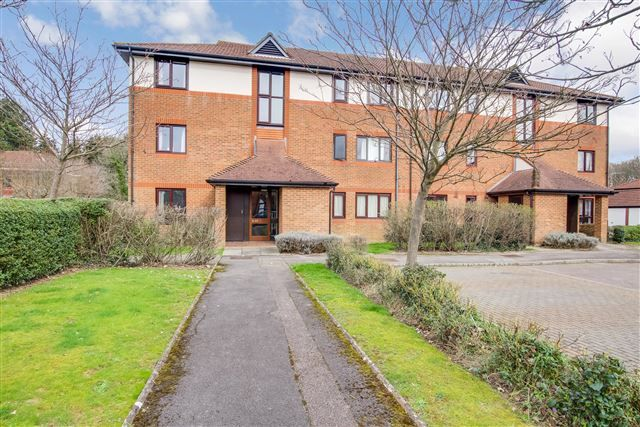 Thumbnail Studio for sale in Copse Lane, Langshot, Horley