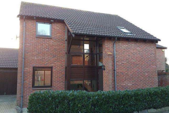 Thumbnail Property to rent in Pyxe Court, Walton Park, Milton Keynes