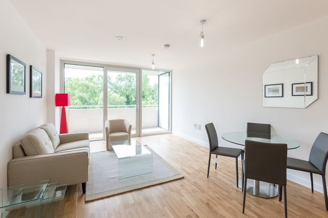 Thumbnail Flat to rent in Colonial Drive, Chiswick
