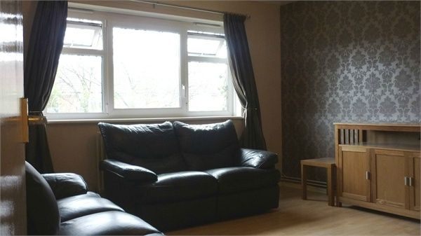 Thumbnail Flat to rent in Mottisfont Road, London