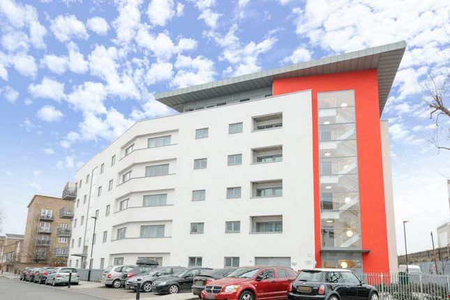 Thumbnail Flat for sale in Reculver Road, London