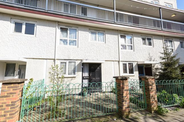 Thumbnail Flat for sale in Sandalwood Road, Feltham