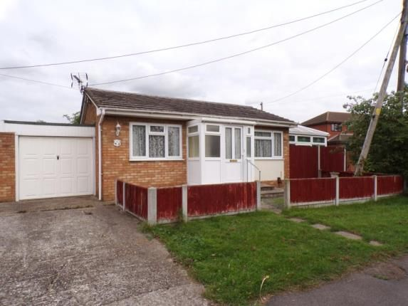 Thumbnail Bungalow for sale in Athos Road, Canvey Island