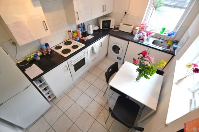 3 bed property to rent in Inverness Place, Roath, Cardiff