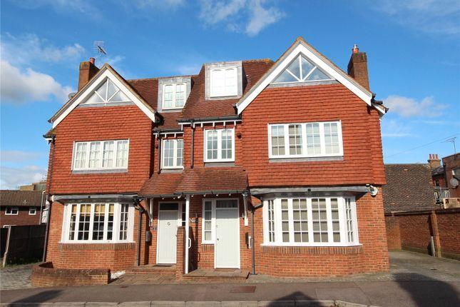 Thumbnail Town house to rent in Rockdale Road, Sevenoaks, Kent