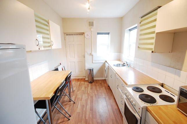 3 bed flat to rent in Warwick Street, Heaton, Newcastle Upon Tyne