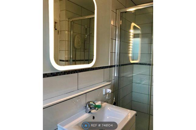Bathroom of Norton House, London E1