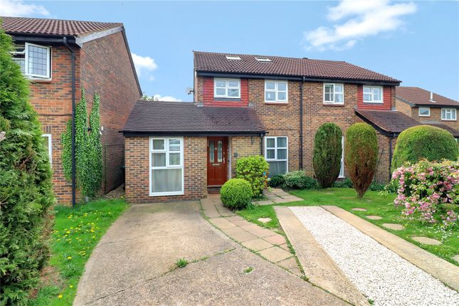 Thumbnail Semi-detached house for sale in Oak Green, Abbots Langley