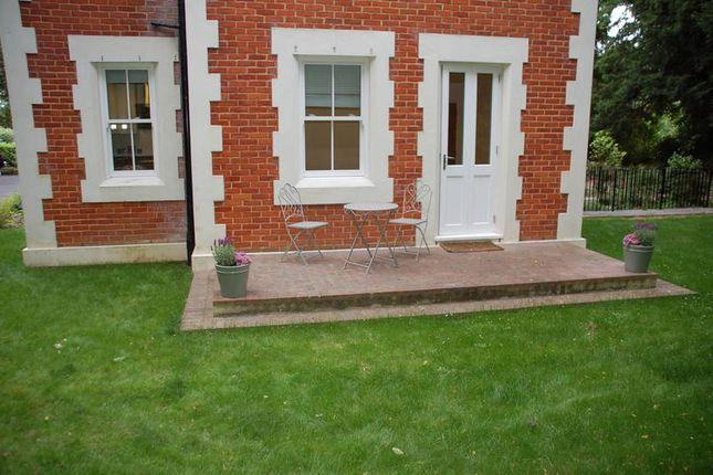 Thumbnail Flat to rent in 9 Calverley Park Gardens, Tunbridge Wells