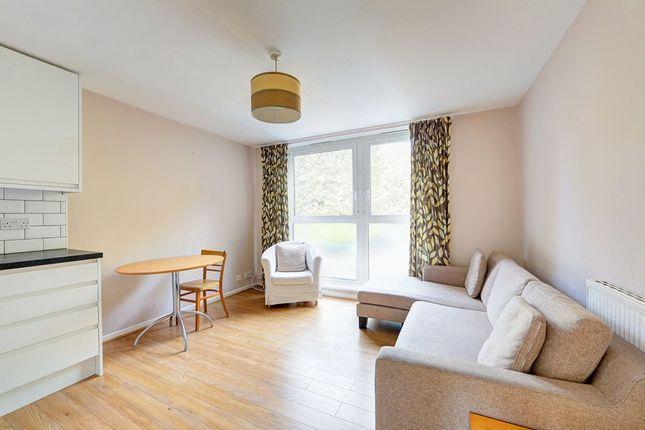 Thumbnail Flat to rent in Garratt Lane, 0Nu