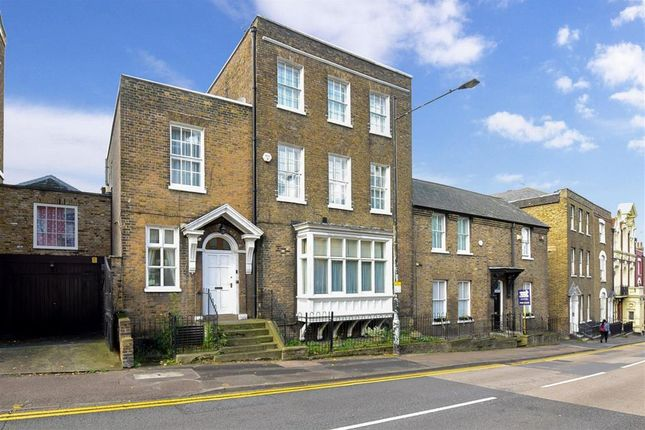 Thumbnail Town house for sale in Star Hill, Rochester, Kent