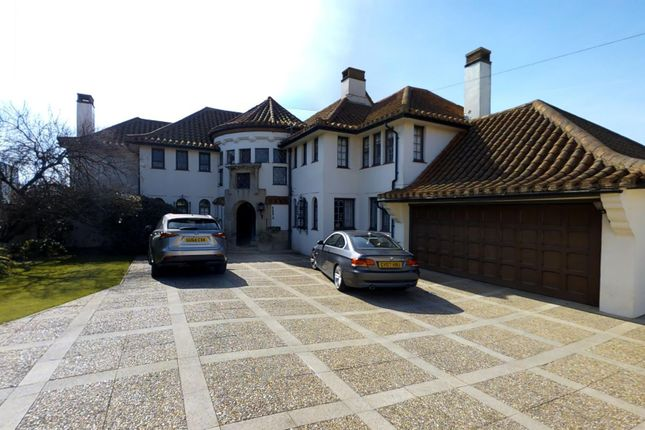 Thumbnail Detached house for sale in South Cliff, Bexhill-On-Sea