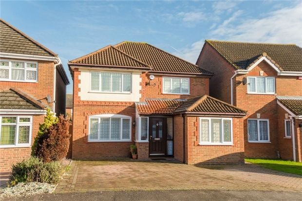 Thumbnail Detached house for sale in Grasholm Way, Langley, Berkshire