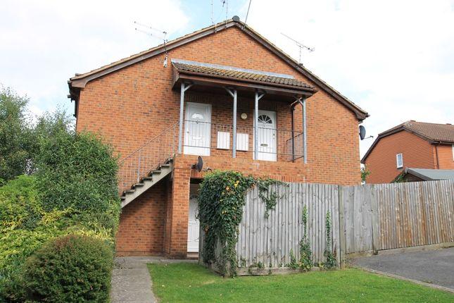 Studio to rent in St Peters Road, Farnham