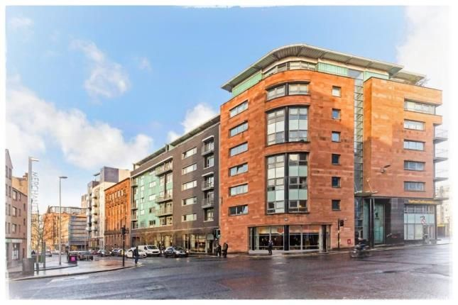 Thumbnail Flat for sale in High Street, Glasgow
