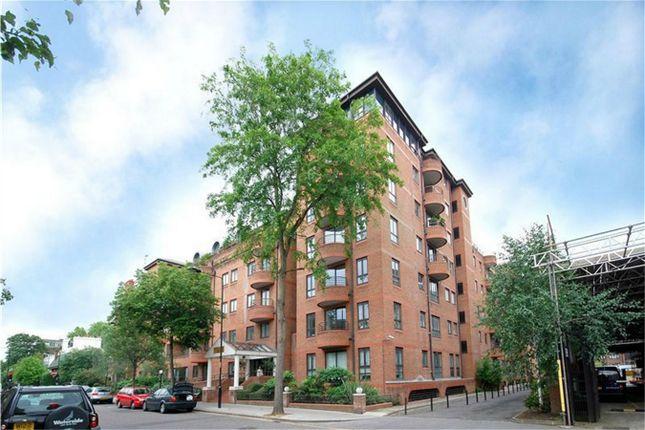 1 bed flat to rent in Pembroke Road, London