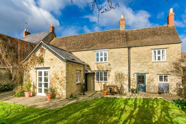 Thumbnail Cottage for sale in High Street, Souldern, Bicester