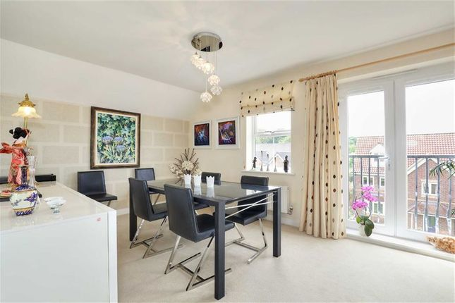 Thumbnail Flat for sale in 44, Folkwood Grove, Bents Green