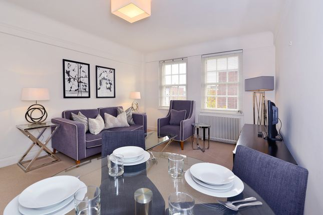 2 bed flat to rent in Fulham Road, London SW3