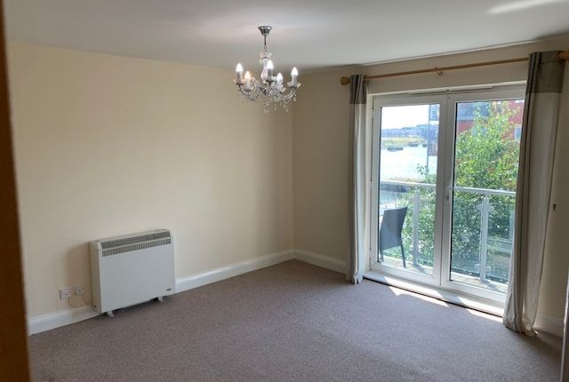 Thumbnail Flat to rent in Glanfa Dafydd, Barry