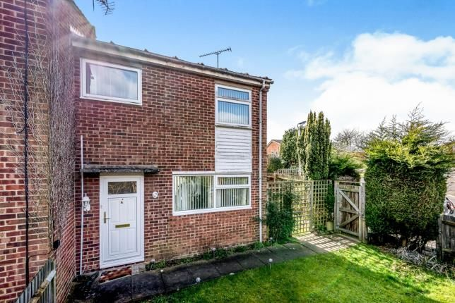3 bed end terrace house for sale in Knaves Hill, Leighton Buzzard, Bedfordshire