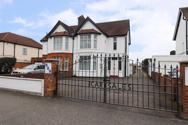 Thumbnail Property for sale in Uxbridge Road, Hayes, Middlesex