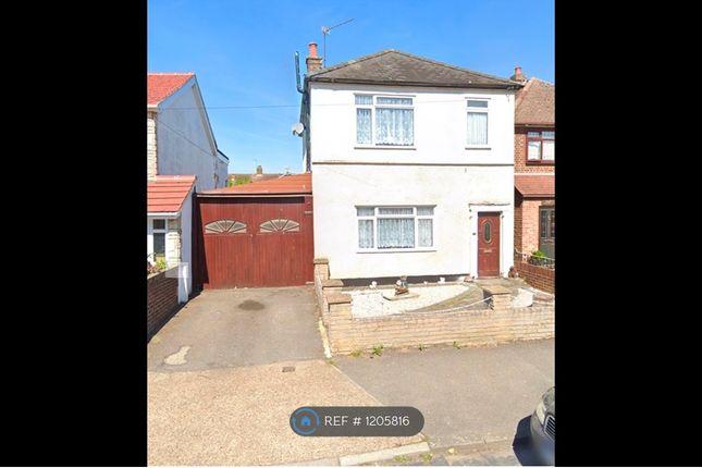 Thumbnail Detached house to rent in Fruen Road, Feltham