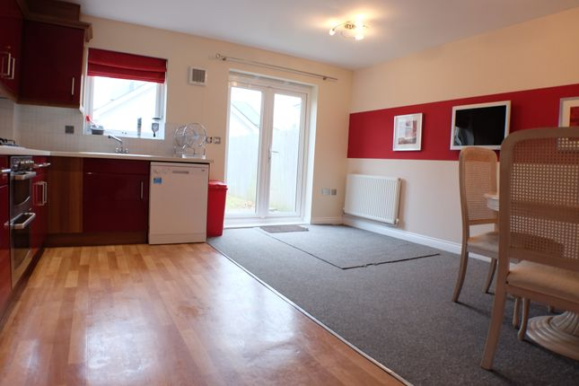 Thumbnail Town house to rent in Brunel Way, Swansea