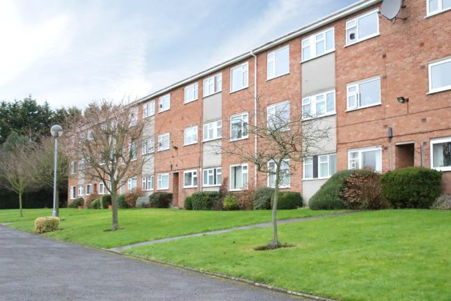 Thumbnail Flat to rent in The Oaks, Warwick Place, Leamington Spa